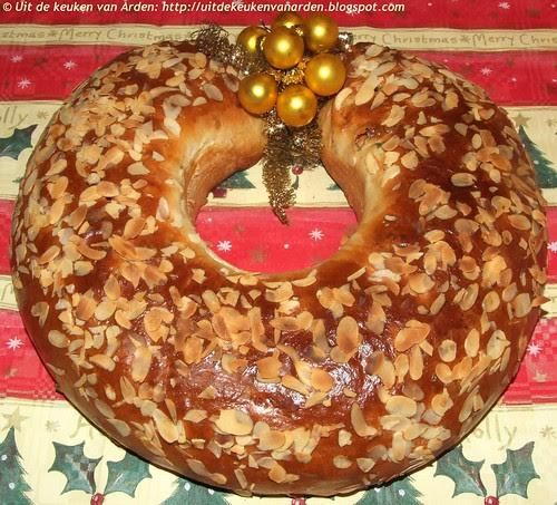 Kerststol met amandelspijs