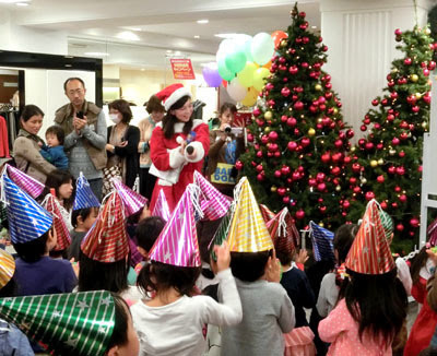 松菱,津松菱,三重県,津市,百貨店,デパート,クリスマス,クリスマスツリー,点灯,イルミネーション