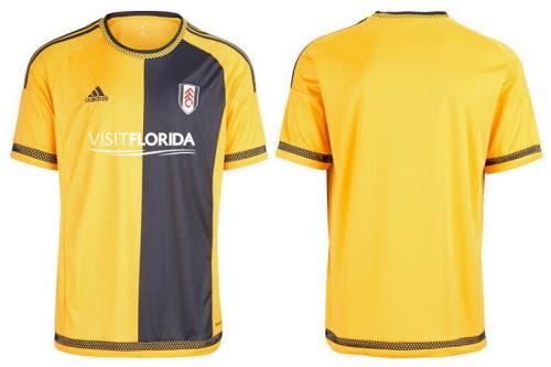 Adidas Nueva segunda equipación del Fulham 2015 2016El nueva camiseta del Fulham lejos 2015 2016 con un diseño amarillo y medias azul marino.Las mangas y laterales del nuevo Adidas camiseta del Fulham lejos 2015 2016 sólido amarillo, con rayas navy 3 corriendo por las mangas.Icónica de lunares Adidas 'detallando está presente en el collar de cuello redondo simple, los puños de las mangas y el dobladillo del Nueva segunda equipación del Fulham 2015 2016, que ve el logotipo de Visit Florida colocado en el frente en blanco.Pantalones cortos de color amarillo y de aro calcetines de color amarillo y azul marino son para ser utilizado junto con el nueva camiseta del Fulham lejos 2015 2016.