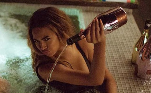 Beyoncé Pours Out Pricey Bottle of Champagne Into a Hot Tub and Twitter Reacts