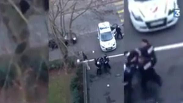 Les images du contrôle d'identité controversé à Pantin (Seine-Saint-Denis), le 26 décembre 2015.