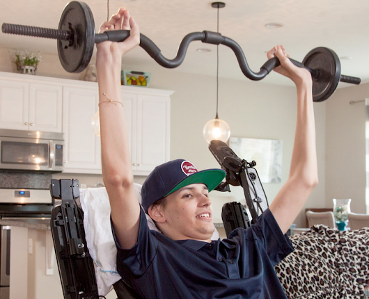 Paralyzed man regains use of arms and hands after experimental stem cell therapy | KurzweilAI