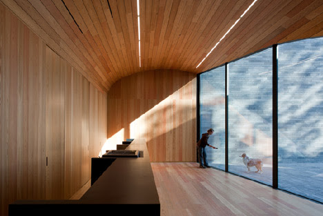 Monitoring and Investigation Center of Furnas by Aires Mateus