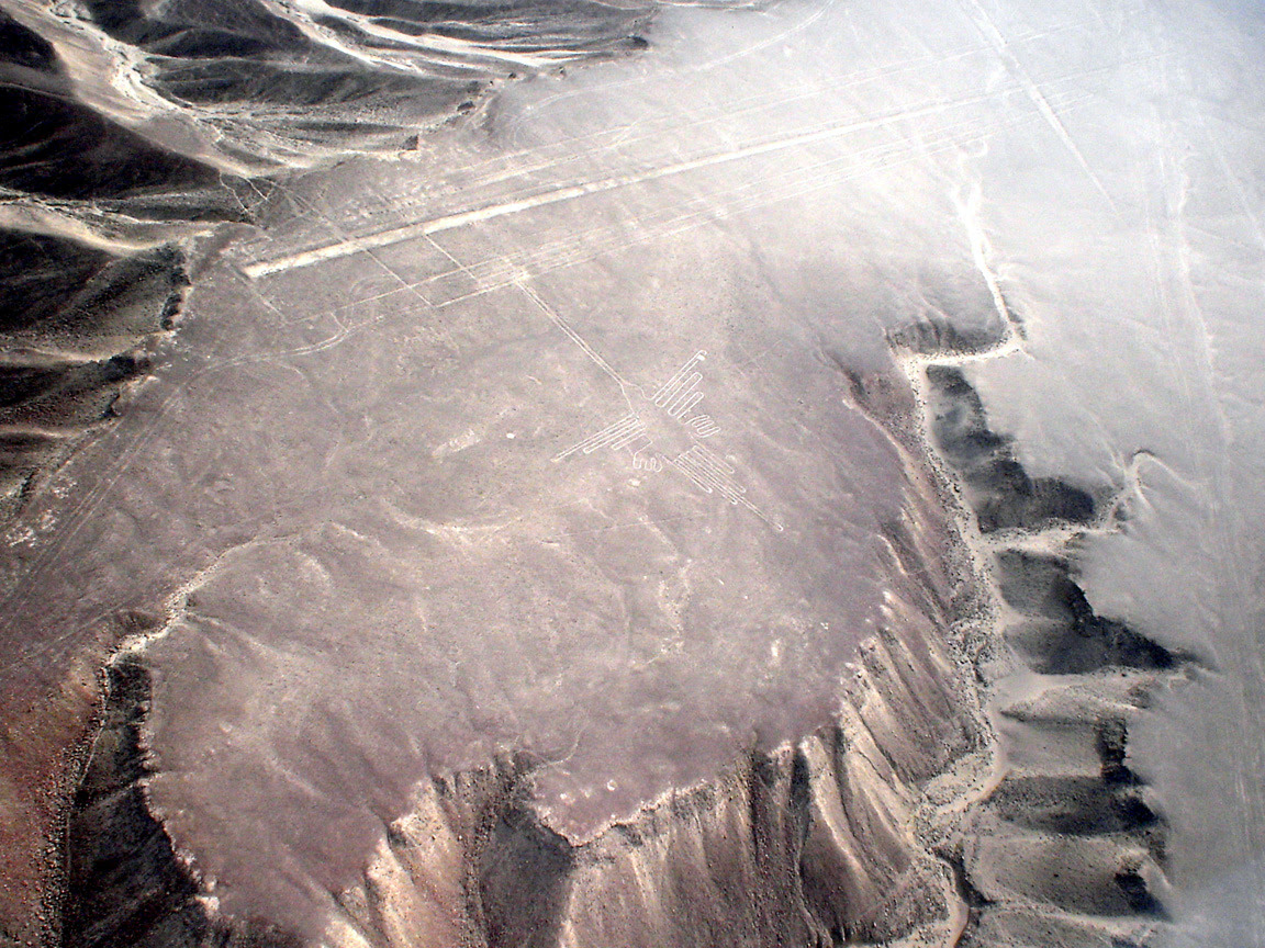 Lignes de Nazca Décembre 2006 - Colibri 1.jpg