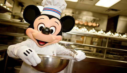 Disney Dining Plan Ultimate Guide & Tips (Including How to Get it Free) | Disney by Age