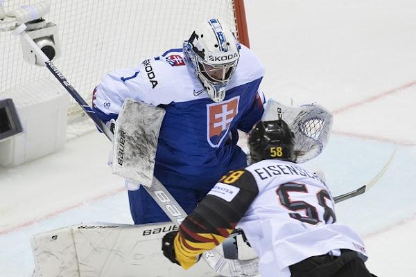 12cbfa35b4739 Slovensko proti Nemecku: Nemecko otočilo skóre 3:2