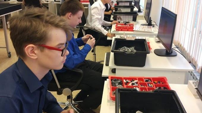 Школьники из Когалыма изобретают роботов