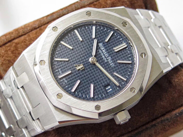 Replica Audemars Piguet Royal Oak Watch Blue