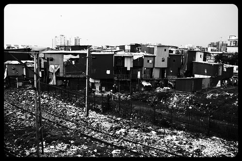 Salaam Slumbai ... Garib Nagar Bandra East by firoze shakir photographerno1