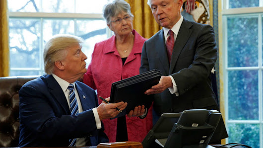 """Trump Launches """"Blue Lives Matter Regime"""" with Three New Executive Orders on Law Enforcement"""