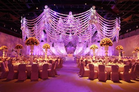 Beautiful Emarati, Kuwaiti & Saudi wedding stages