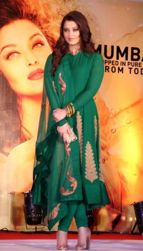 Aishwarya-Rai-At-Bachchan-Launch-Kalyan-Jewellers-Store-Opening-Pictures-Photos-5