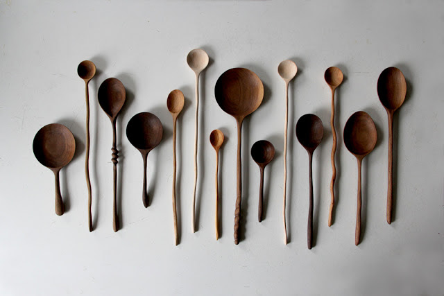 hand_carved_walnut_spoons_wood