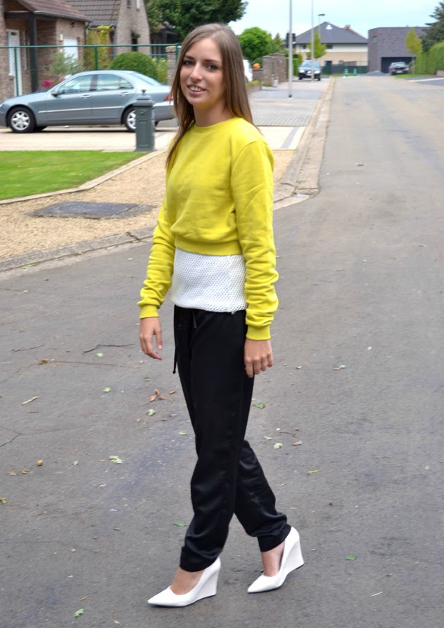 asos sweater crop top mesh top h&m trend trousers shiny silk mango wedge heels white outfitpost outfit fashion blogger turn it inside out belgium