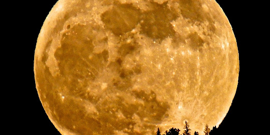 How To See The Supermoon This Weekend
