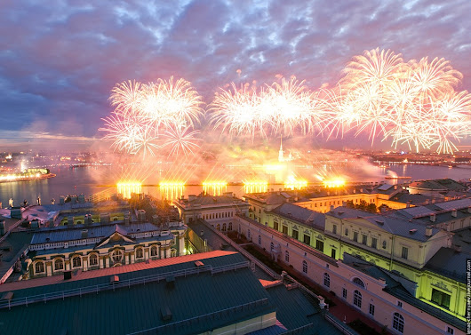 Story about how to see fireworks from Hermitage's roof, Petersburg, Russia - Privet Russia! Blog about culture, music, places to visit in this wonderful country