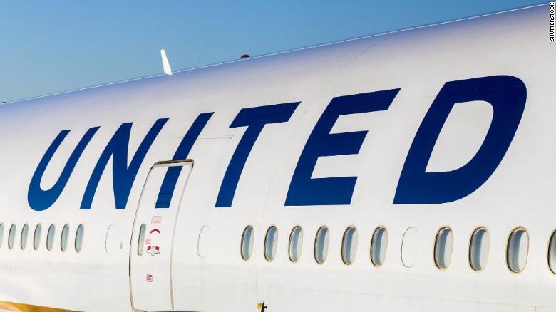 Scorpion stings passenger on United flight