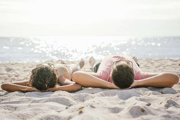 Homem tenta bater recorde de relação íntima com sua namorada após sofrer ereção permanente