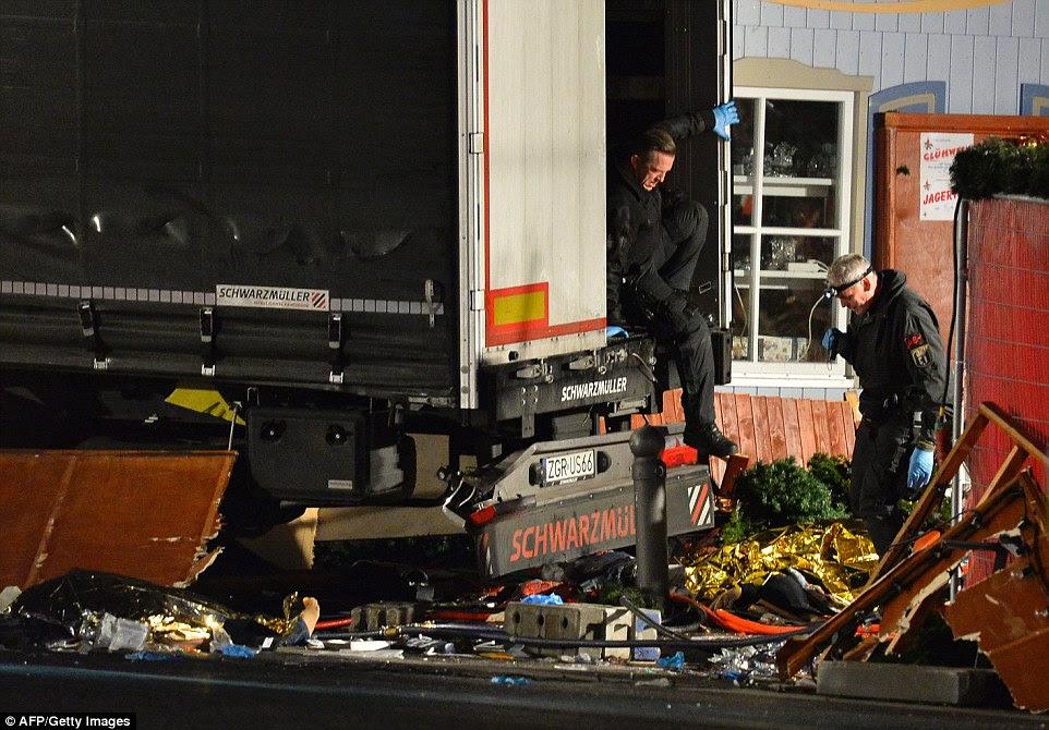O jornal Die Welt disse que a inteligência alemã tinha vindo a alertar as autoridades da cidade para a semana passada de um possível ataque a um mercado de Natal