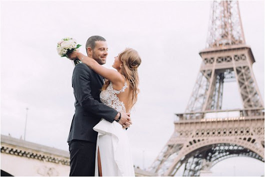 Houseboat Wedding in Paris