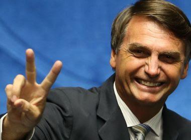 Bolsonaro cogita chapa com Magno Malta na vice para Presidência, diz colunista