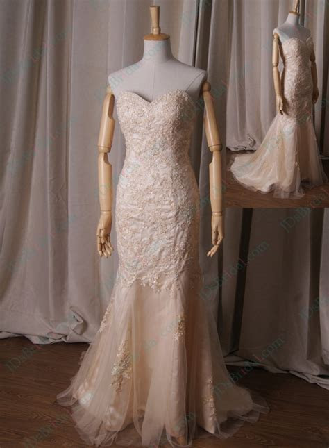 LJ227 light champagne gold colored sweetheart neck lace