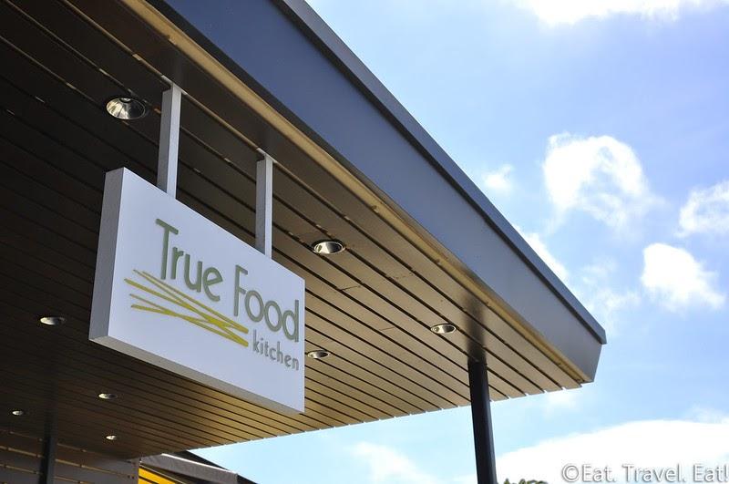 eat travel eat true food kitchen fashion island fox restaurant concepts taste
