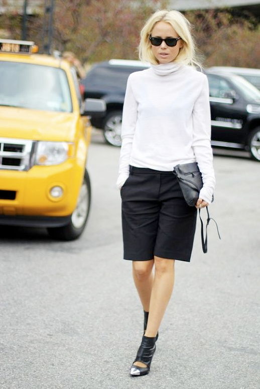 LE FASHION BLOG STREET STYLE FALL SHORTS RAY BAN WAYFARER SUNGLASSES WHITE THIN TURTLENECK SWEATER BLACK CULOTTE MID LENGTH KNEE LENGTH SHORTS CUT OUT LEATHER BOOTS BOOTIES WITH SILVER METAL CAP TOE FASHION WEEK BLACK LEATHER PART 1 ELIN KLING 2 photo LEFASHIONBLOGSTREETSTYLEFALLSHORTSPART1ELINKLING2.png