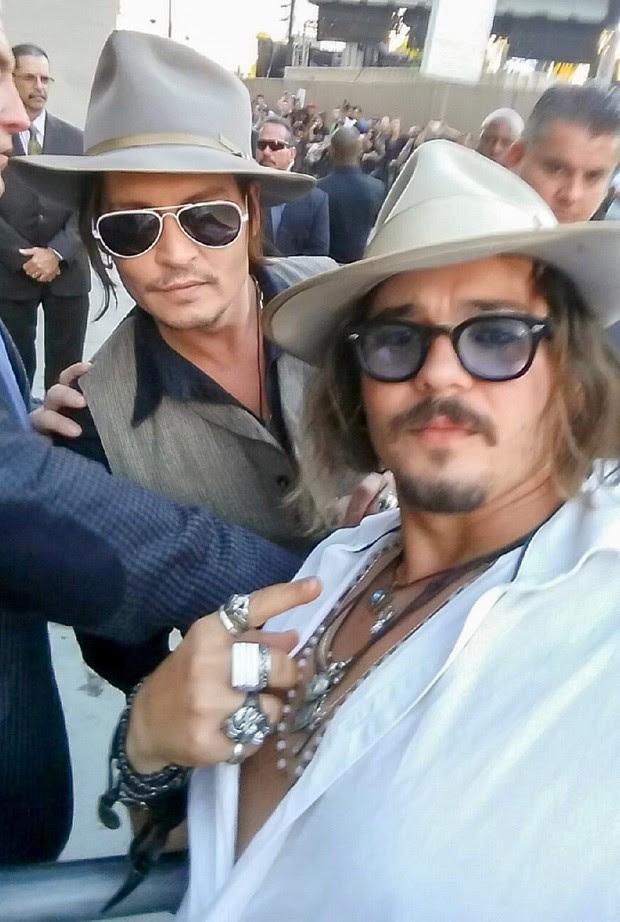 Johnny Depp e sósia (Foto: AKM-GSI)