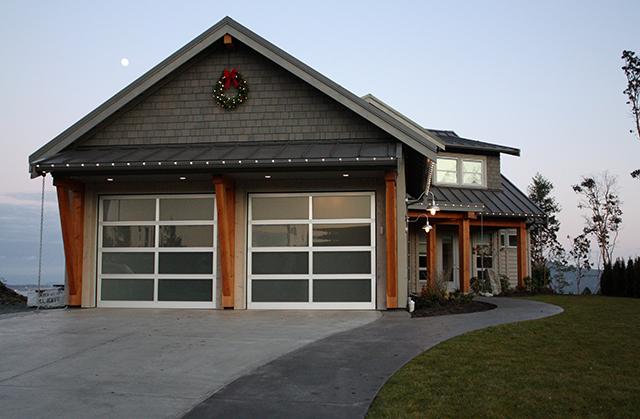 Custom Exterior Christmas Lights | Sheila Zeller Interiors