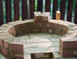 DIY Outdoor Kitchen and Pizza Oven - Dome-shaped pizza oven