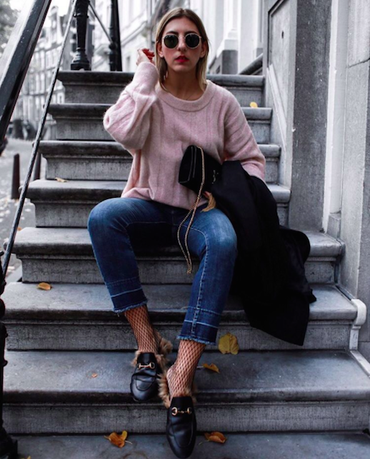 Le Fashion Blog How To Wear Fishnet Tights Trend Pink Sweater Cropped Jeans Gucci Loafers Via Aylin_Koenig