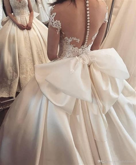 Discount Luxury Satin Bridal Dresses Sweetheart Button