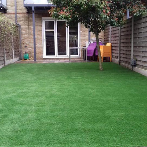 Artificial grass for a garden a stone's throw from the Shard | Perfect Grass
