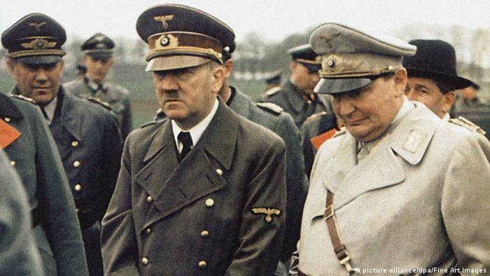 Adolf Hitler and Hermann Göring, 1944 (Foto: picture-alliance/dpa/Fine Art Images)