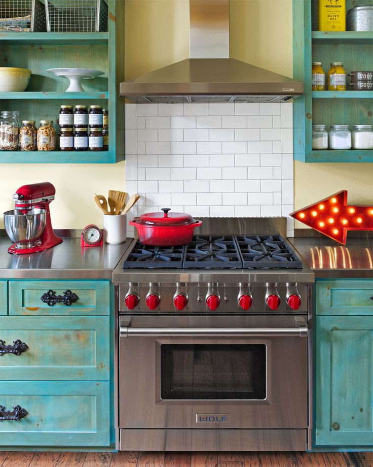 Red and Blue - Interiors By Color (48 interior decorating ...
