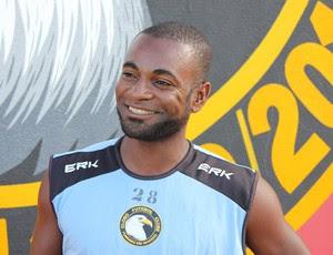 Ricardo Baiano - volante do Globo FC (Foto: Fabiano de Oliveira)