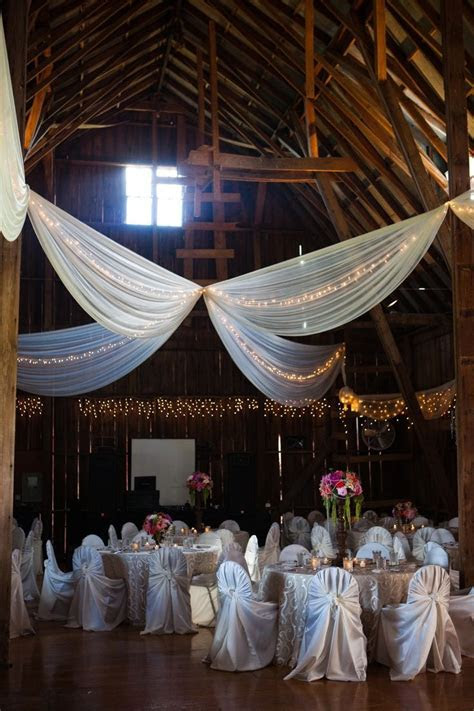 Lovely farm house reception decorations #wedding #rustic #