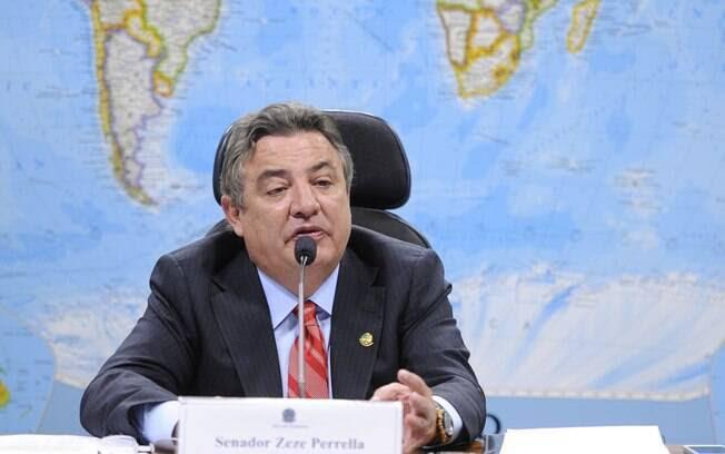 O senador Zezé Perella é um dos indicados do PTB para compor a comissão do impeachment no Senado. Foto: Pedro França/Agência Senado - 02.12.14