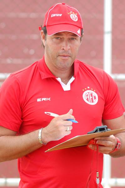 Roberto Fernandes: Clássico sempre é difícil e esse será mais um. Mas estamos prontos