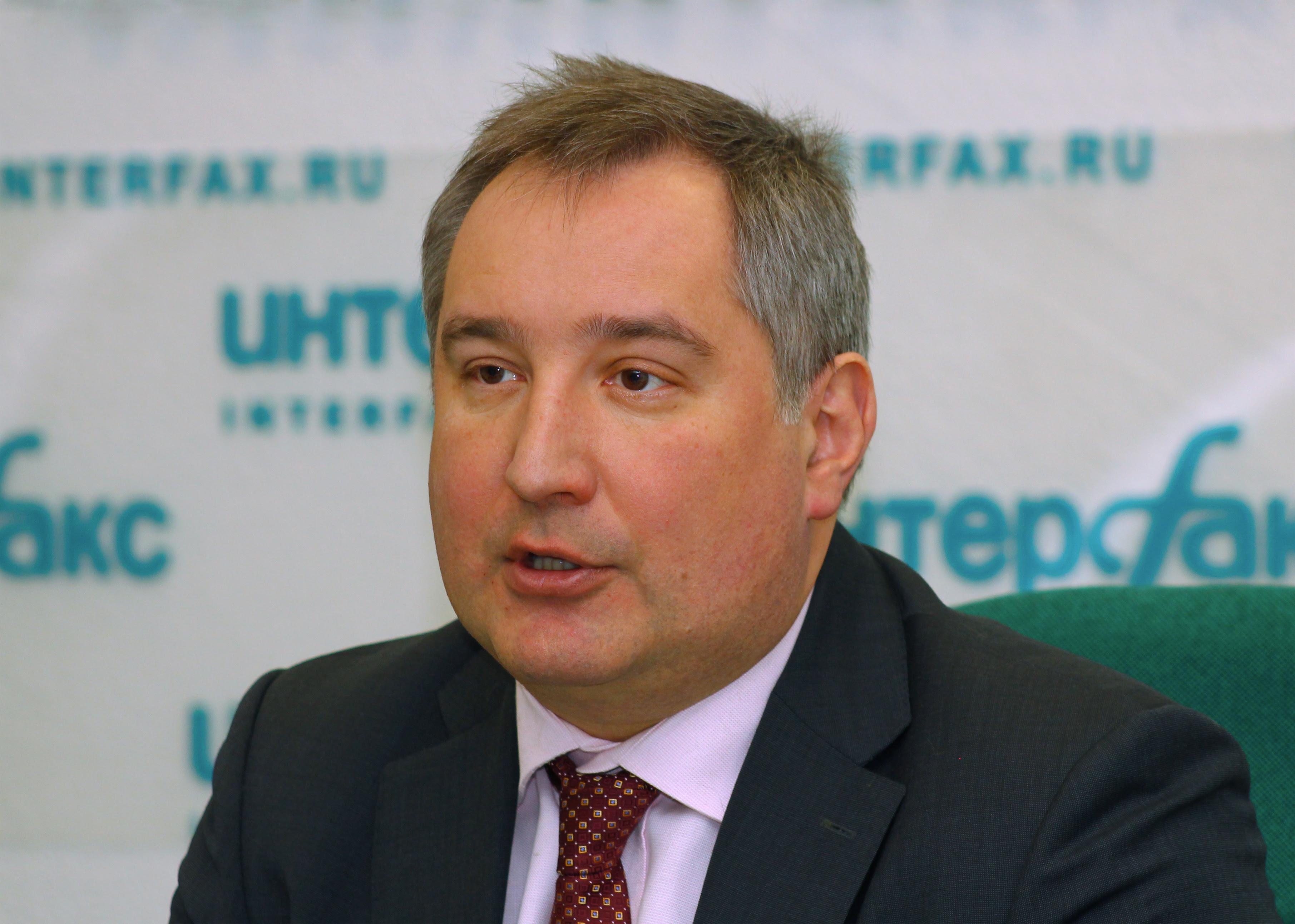 http://upload.wikimedia.org/wikipedia/commons/2/2b/Dmitry_Rogozin_Moscow_Interfax_02-2011.jpg