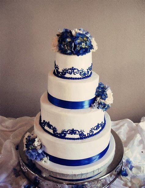 Best 25  Royal blue wedding cakes ideas on Pinterest
