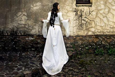 Celtic Wedding Dresses   LoveToKnow