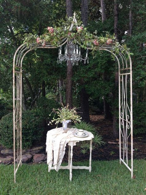 Best 25  Metal wedding arch ideas on Pinterest   Wedding