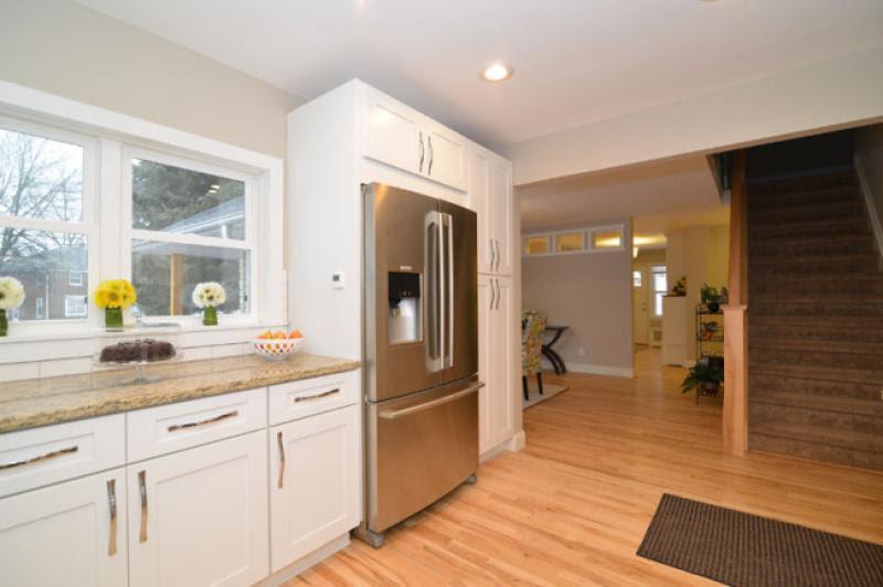 Elegant White Shaker - RTA Kitchen Cabinets