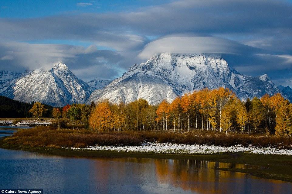 Grand Teton National Park dans le nord-ouest du Wyoming est un kaléidoscope de couleurs d'automne avec des montagnes majestueuses en arrière-plan