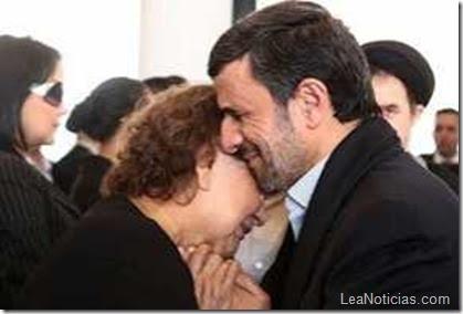 Ahmadinejad-y-madre-de-Hugo-Chavez