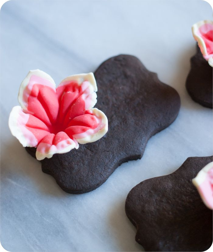petunias made from modeling chocolate for decorating cakes and cookies