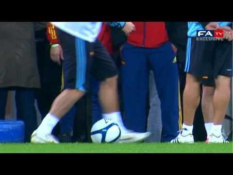 Trick di Sergio Ramos - Riscaldamento Inghilterra-Spagna