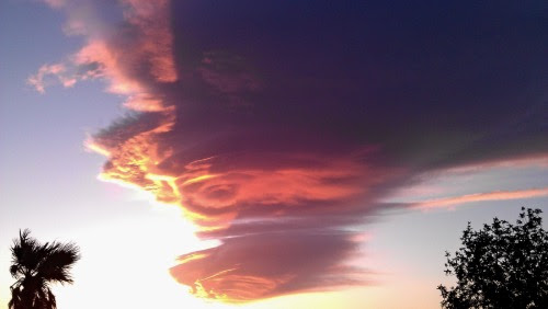 Roberta LaRocca Las Vegas • Awesome color changes to lenticular clouds (Pilot...